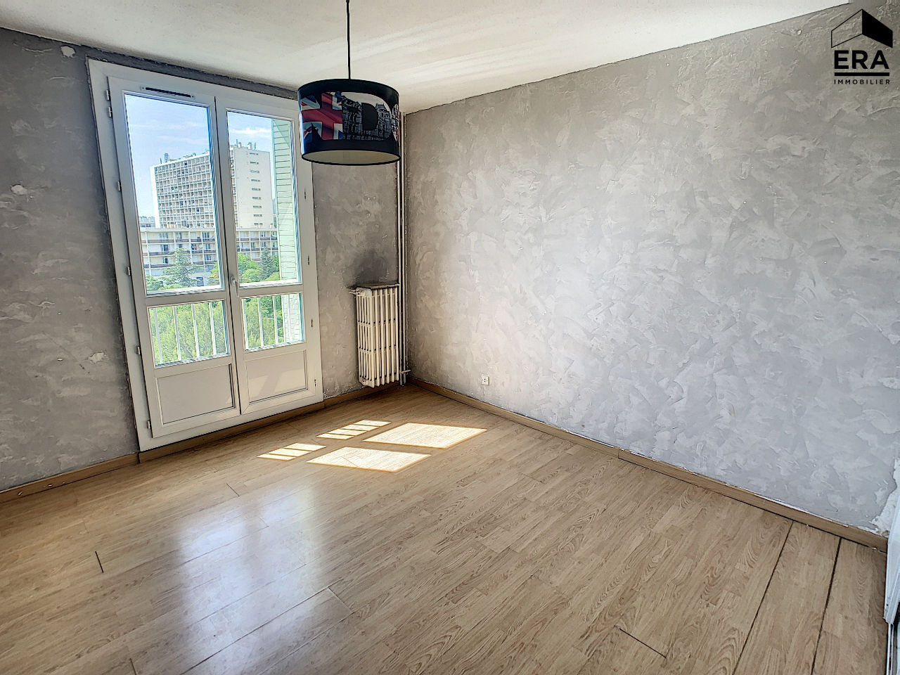 A VENDRE APPARTEMENT TYPE 3 MARSEILLE 13015  LES AYGALADES BALCON CAVE